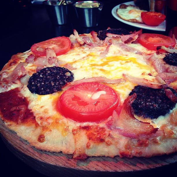 Amicus Breakfast Pizza